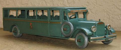 www.buddyltruck.com, 1920's buddy l bus for sale, ebay buddy l bus,  rare buddy l bus appraisals, old buddy l bus wanted,  Buddy L Toy Museum free antique vintage toy appraisals robots trucks cars trains bus wind up FREE APPRAISALS  Buddy L Toys, vintage japan tin toy space cars values, keystone values, old toy truck values, steelcraft truck values